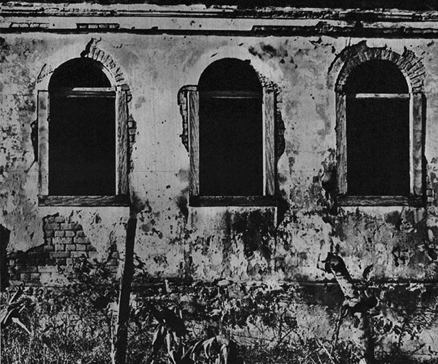 Ruína de casa em Entre Montes no ano de 1964 / Foto: Jorge Butsuem.
