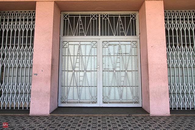 A entrada principal da estação (clique na foto para ampliar).