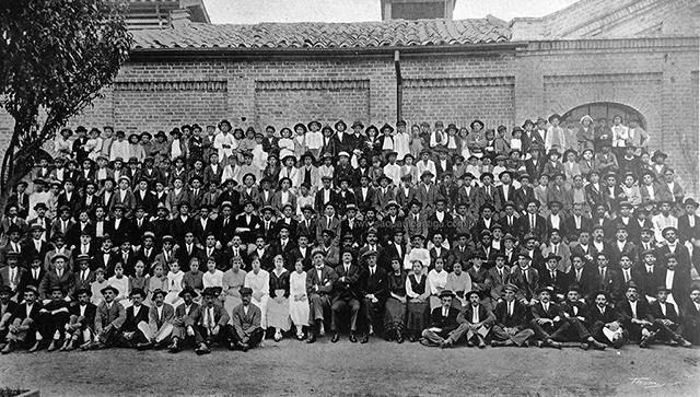 Funcionários da Orion em 1917 (clique na foto para ampliar).