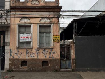 Casa – Rua João Boemer, 700