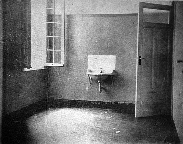Banheiro do apartamento do casal, foi aqui que o crime ocorreu.