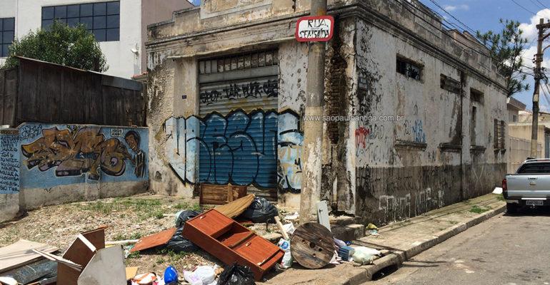 Armazém – Rua Felisberto de Carvalho, 158