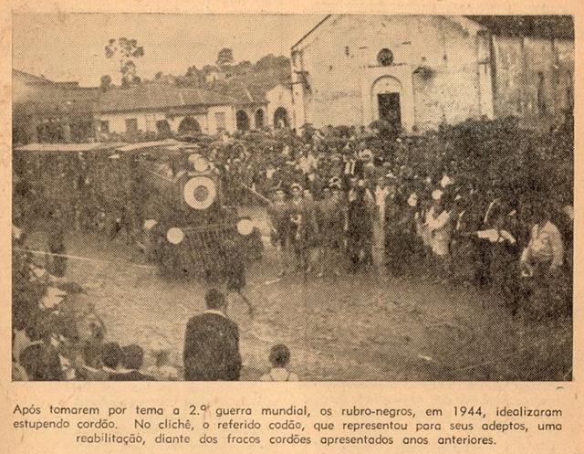 Réplica do Trem da Cantareira em carro alegórico de Vila Esperança