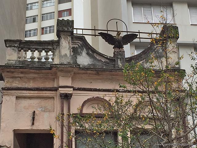 Detalhe da fachada (clique na foto para ampliar)