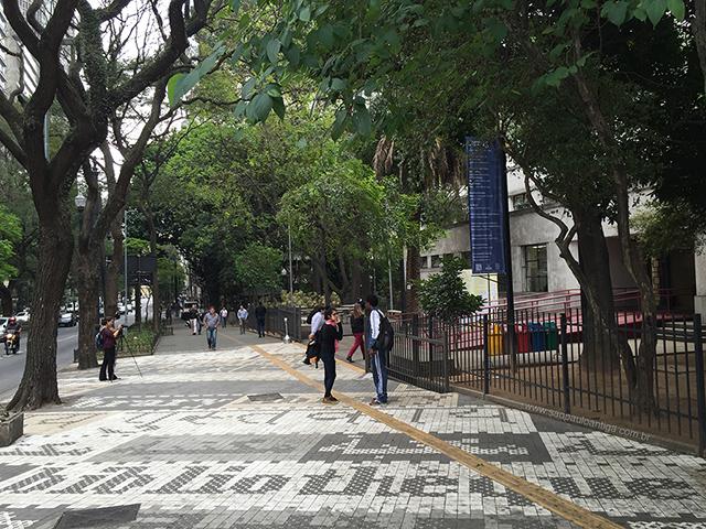 Calçada na avenida São Luiz (clique para ampliar)
