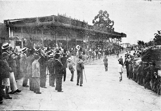 O velódromo da Consolação em fotografia de 1915