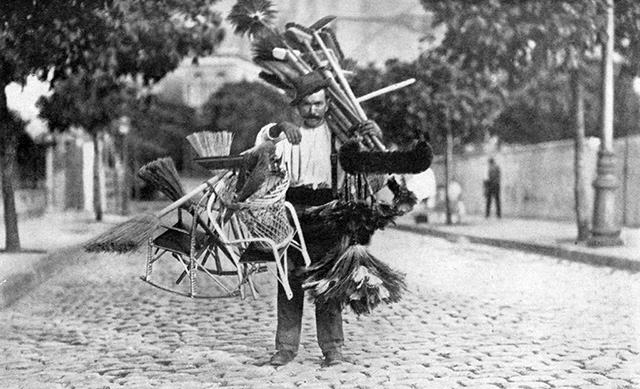 Vendedor de Vassouras - Ano de 1919 (clique na foto para ampliar)