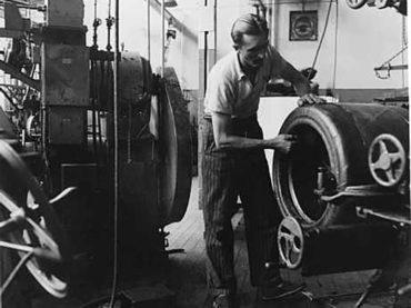 Titan Pneus lança exposição em comemoração aos 80 anos da fabricação do primeiro pneu de SP