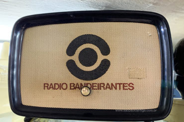 Os rádios promocionais das estações paulistanas