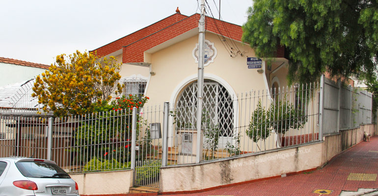 Casa – Rua Professor Fabio Fanucchi